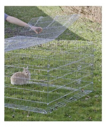 Innenansicht des Kerbl Kaninchen Freilaufgeheges