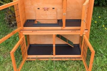 bunny-business-zweistoeckiger-kaninchen-meerschweinchenstall-mit-ausziehfaechern-ca-104-cm-7